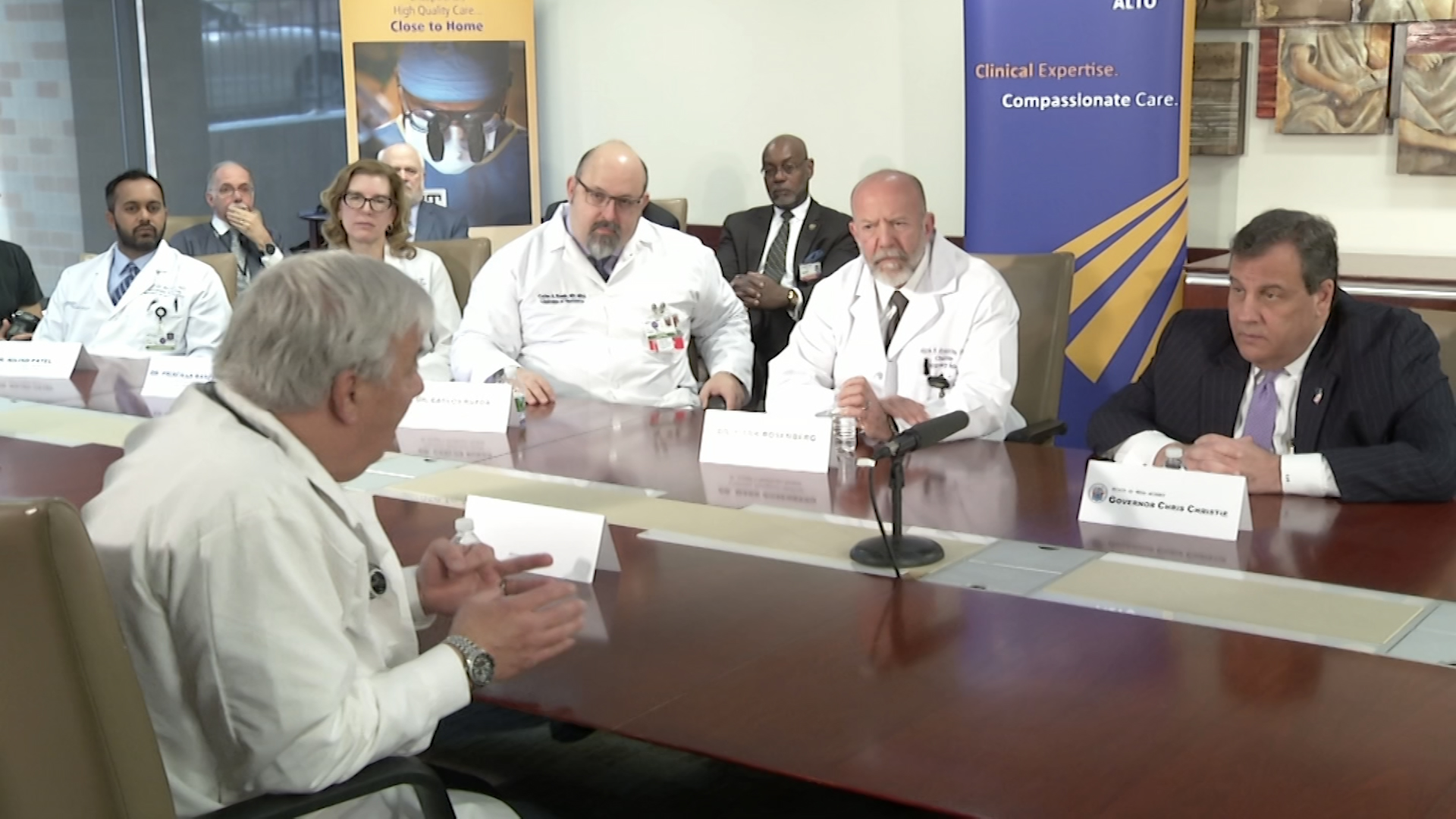 In Paterson, Christie Joins Medical Staff to Talk Opioid Addiction
