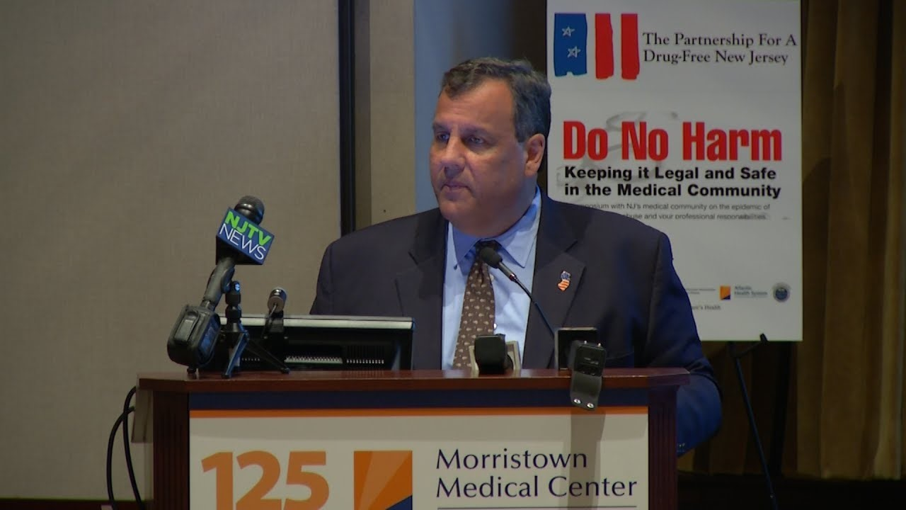 Christie discusses addiction with health care professionals in Morristown
