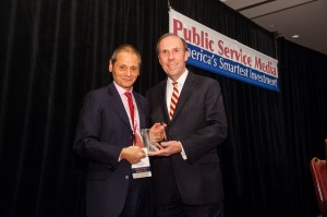 L-R NJTV General Manager John Servidio accepts the 2013 Edge Award from APTS President Pat Butler at a ceremony in Washington DC.